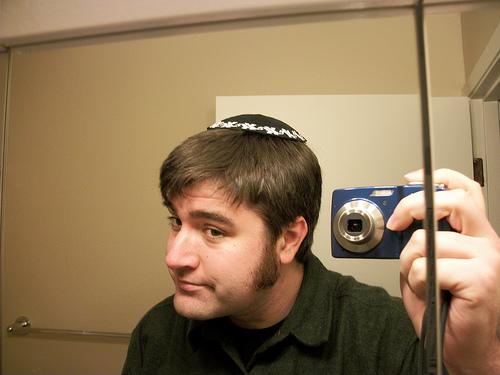 דתי מצלם את עצמו